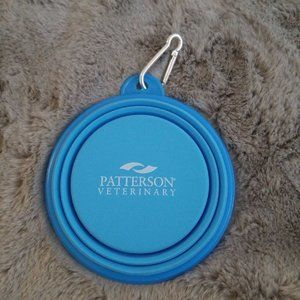 Foldable blue water bowl for pets